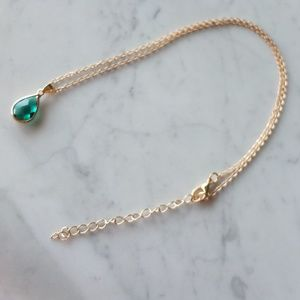 Elegant Drop Pendant Necklace - Green Stone